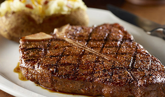 Dining at Longhorn Steakhouse