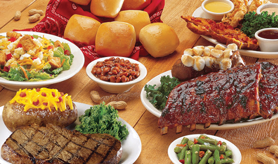 Dining at Texas Roadhouse